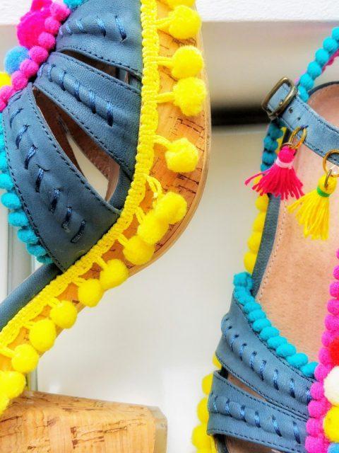 7af21f7899534e Bommel-Schuhe im Ethno-Stil  So macht Ihr sie ganz einfach selbst!